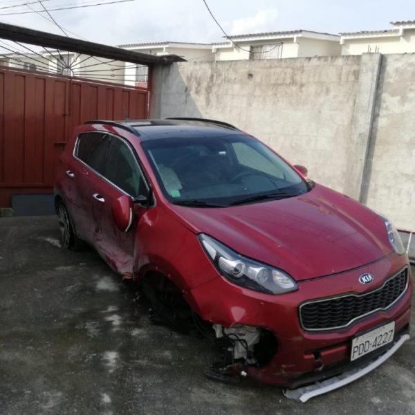 Faaqidaad : Compra y venta de carros chocados quito
